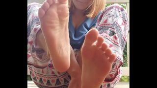 Cute girl self foot worship